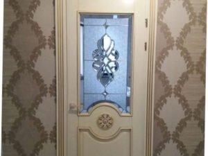 Дверь из массива сосны, 2.2м х 0.9м, слоновая кость