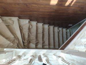 Деревянная лестница белая